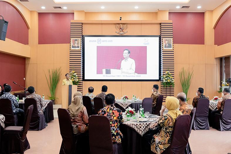 Gubernur DIY, Sri Sultan Hamengku Buwono X turut hadir dalam acara penandatanganan MoU antar PT JMM dan BPD DIY. Beliau menyambut baik kerjasama ini dan berharap proyek pembangunan tol ini bisa memberikan manfaat bagi masyarakat sekitar.