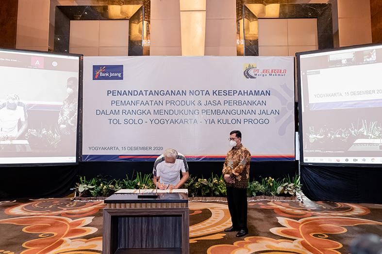 Penandatangan Nota Kesepahaman antara PT JMM dan Bank Jateng