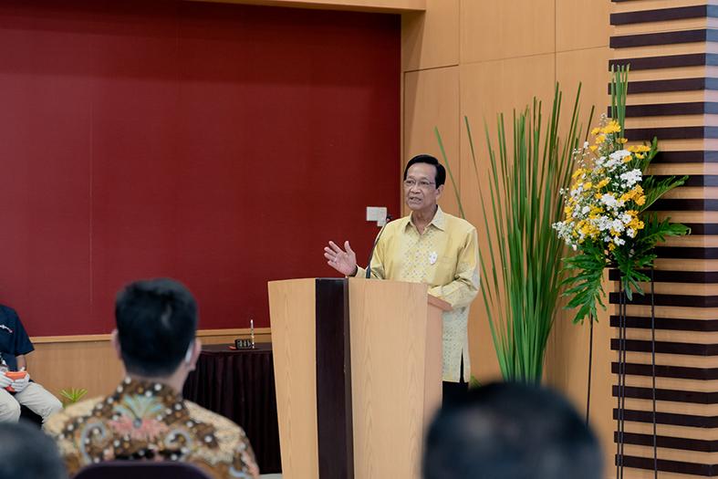 Gubernur DIY, Sri Sultan Hamengku Buwono X turut hadir dalam acara penandatanganan MoU antar PT JMM dan BPD DIY.