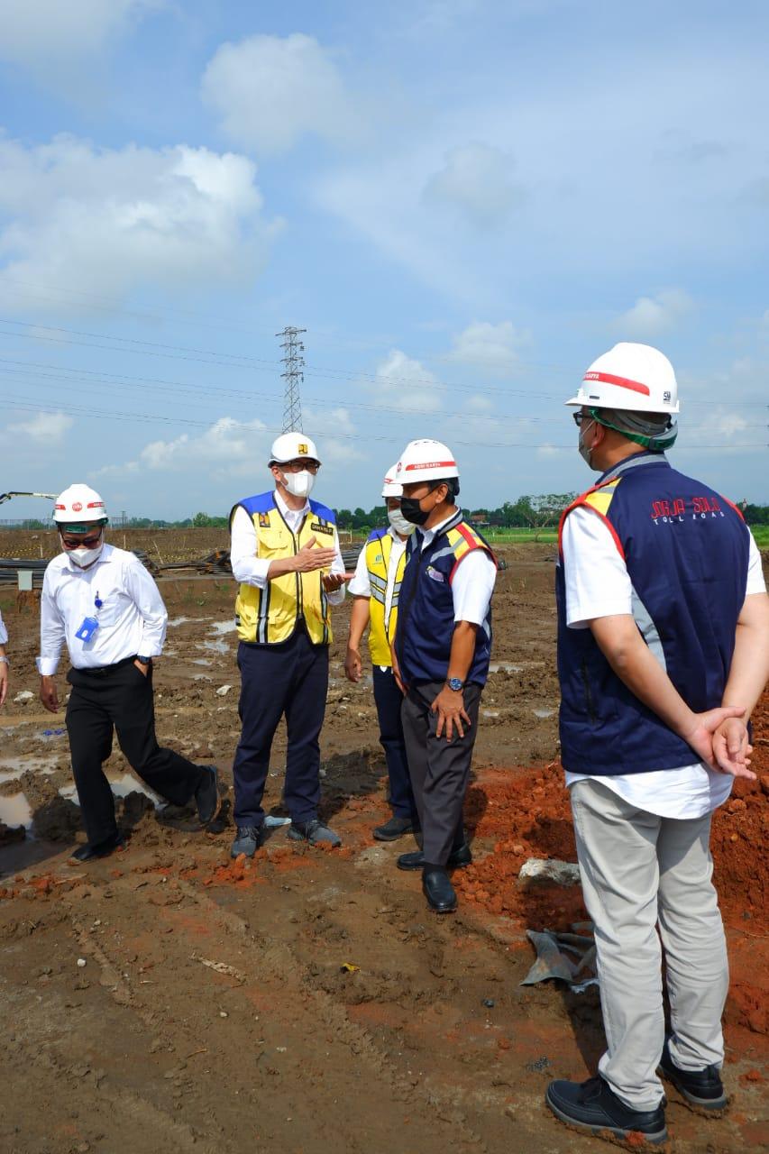 Kepala BPJT melakukan kunjungan lapangan ke lokasi Proyek