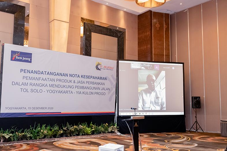 Sambutan dari Kepala Badan Pengatur Jalan Tol (BPJT),Bapak Danang Parikesit via daring