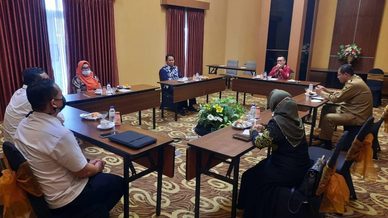 Pertemuan ini yang disambut baik oleh Bapak Wakil Bupati Kulon Progo, Fajar Gegana dan Ketua DPRD Kabupaten Kulon Progo Ibu Akhid Nuryati, SE.